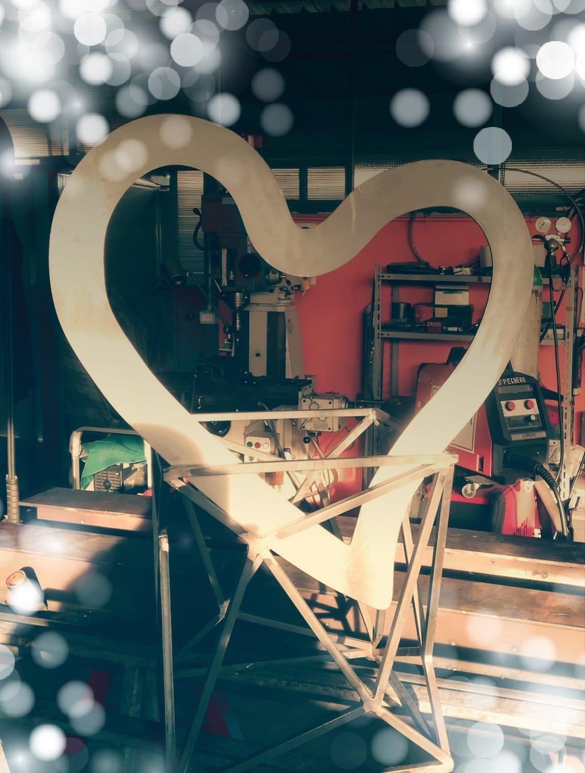 With Love.xxoh8d49576140d89c5a430b53fb6548c708oe5ce046ee.jpeg